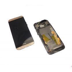 Ecran Lcd et vitre tactile assembles sur chassis doré Htc One M8