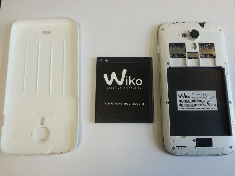 Retirer la batterie du Wiko Cink Five