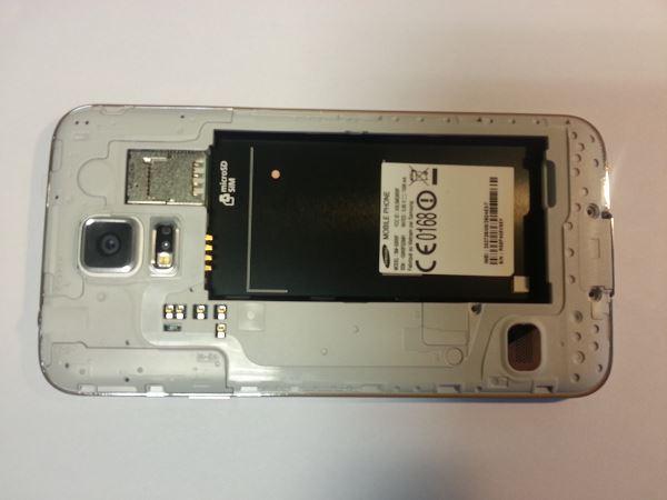 Guide de démontage et réparation du Samsung Galaxy S5 SM-G900F étape 3